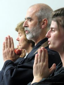 Cérémonie bouddhiste zen