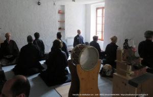 Retraite zen en 2018 au Hameau de Lacan - méditation assise